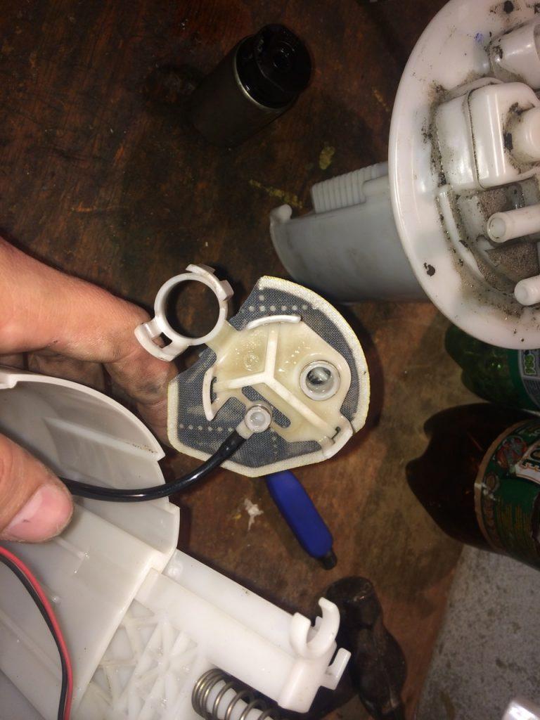 Замена топливного фильтра тойота королла