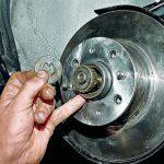 Замена подшипника ступицы переднего колеса — пошаговая инструкция