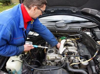 Дымит дизельный двигатель